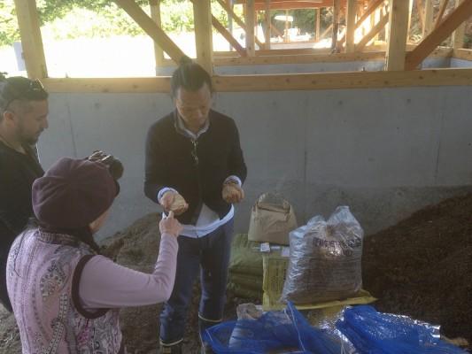 大地の子の説明・籾殻と糠を混ぜて増やすと発酵して熱が上がる